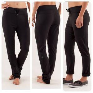 Size 8 ladies Lululemon Low Rider Pant in black